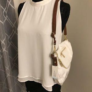 Nylon shoulder bag.